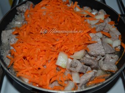 Как приготовить тушеную капусту с мясом.