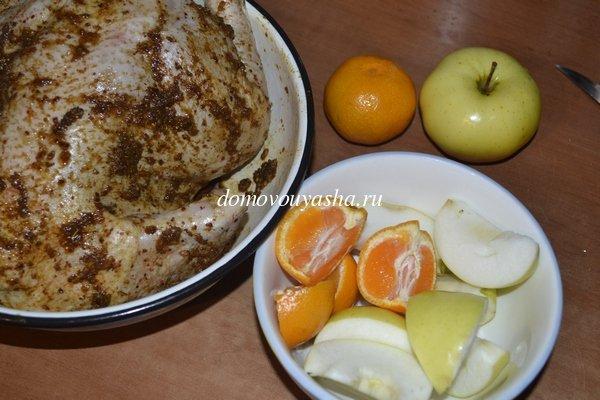 курица фаршированная яблоками в духовке рецепт