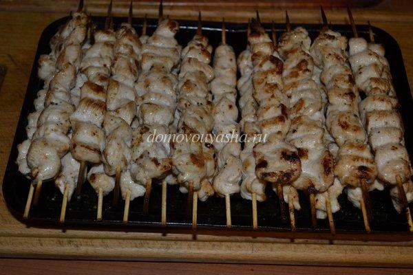 шашлык из куриного филе на шпажках в духовке