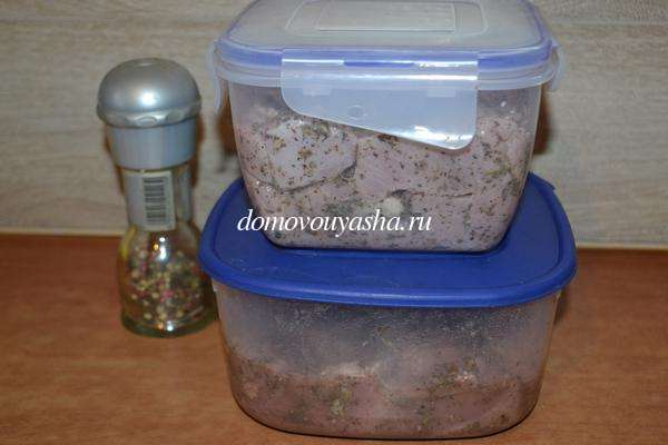Шашлык из филе индейки на шпажках в духовке