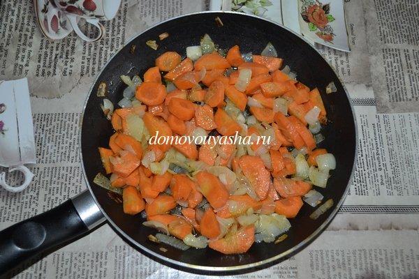 Кролик тушеный с овощами в сметане