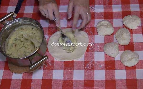 Приготовление хачапури с картошкой