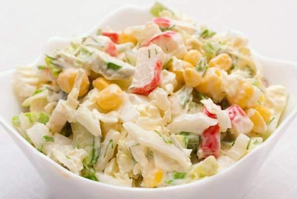 Салат из пекинской капусты и крабового мяса