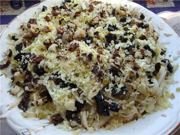 Рецепт простого салата с грибами и сыром