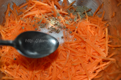 Как приготовить морковь по-корейски.