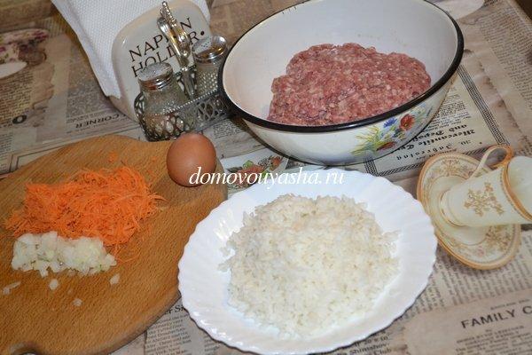 Тефтели с рисом в томатно сметанном соусе