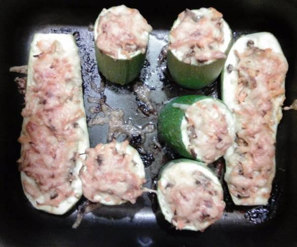 Вегетарианские кабачки запеченные с грибами