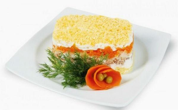 Салат с печенью трески мимоза