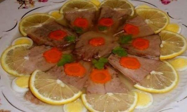 Приготовление заливного из свиного языка