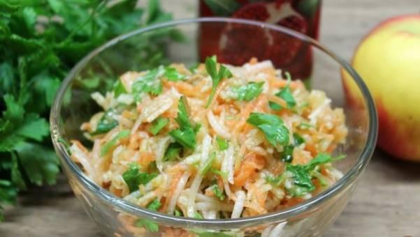 Рецепт салата с дайконом и яблоком
