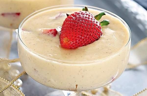 Вкусный крем пломбир с фруктами