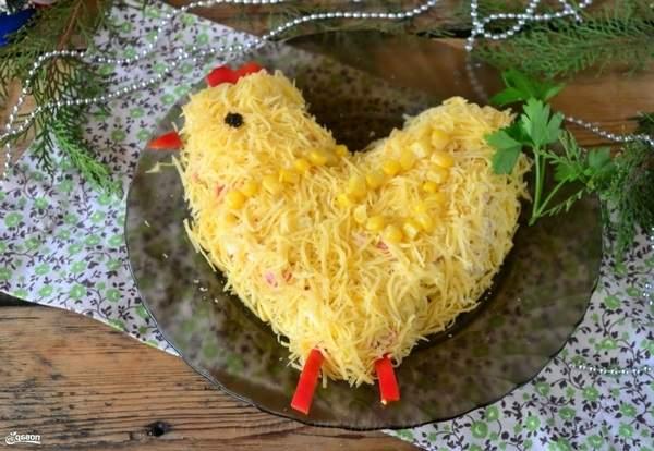 Салат Петушок с кукурузой
