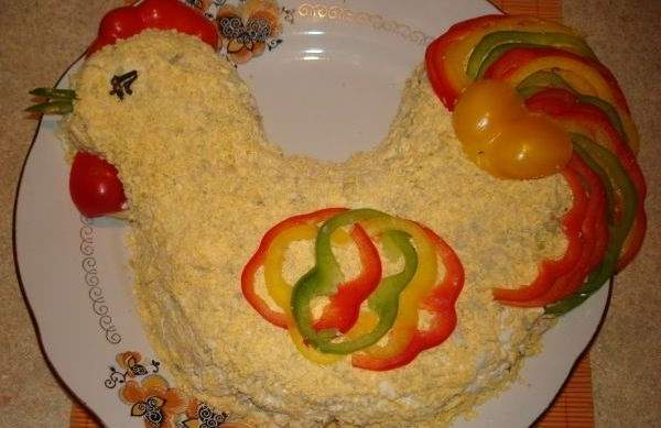 Салат Петух с куриной печенью