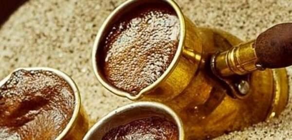 Кофе по-бедуински с бадьяном