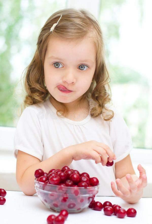 Полезные свойства вишни для детей
