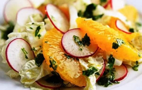 Салат из редиски и пекинской капусты
