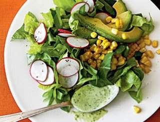 Салат из редиса и консервированной кукурузы