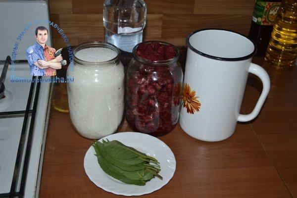 Как приготовить малиновый ликер