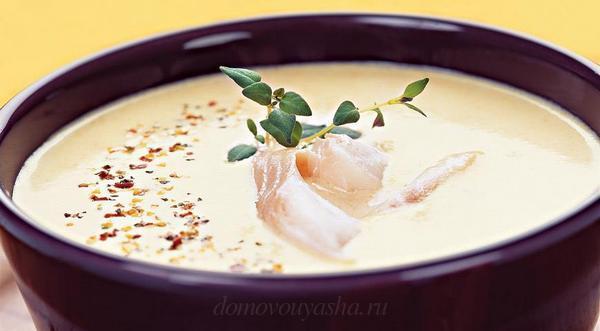Суп из кукурузы с копченой рыбой и молоком