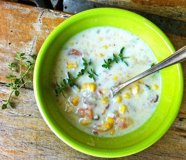 Суп с охотничьими колбасками и сливками