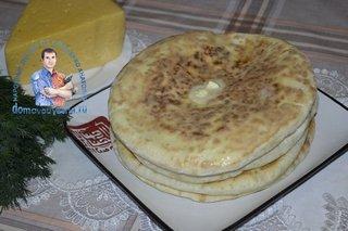 Хачапури на сковороде с творогом и сыром