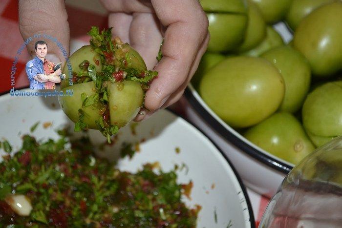 Зеленые помидоры с чесноком и горчицей