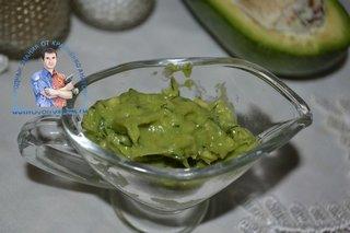 Пюре из авокадо для бутербродов с семгой