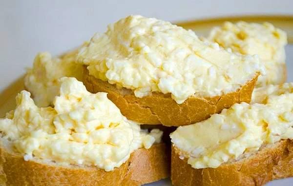 Салат Белочка с плавленным сыром