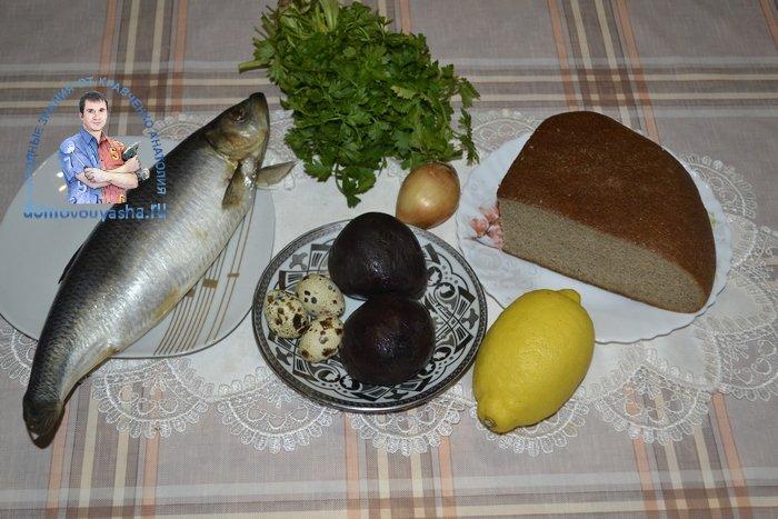 Канапе с селедкой и черным хлебом