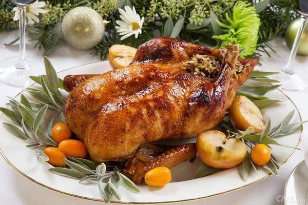 Рецепты приготовления домашней утки в духовке целиком