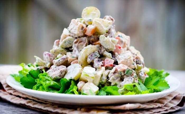 Салат из свиного сердца и фасоли