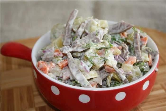 Салат из свиного сердца со свежим огурцом