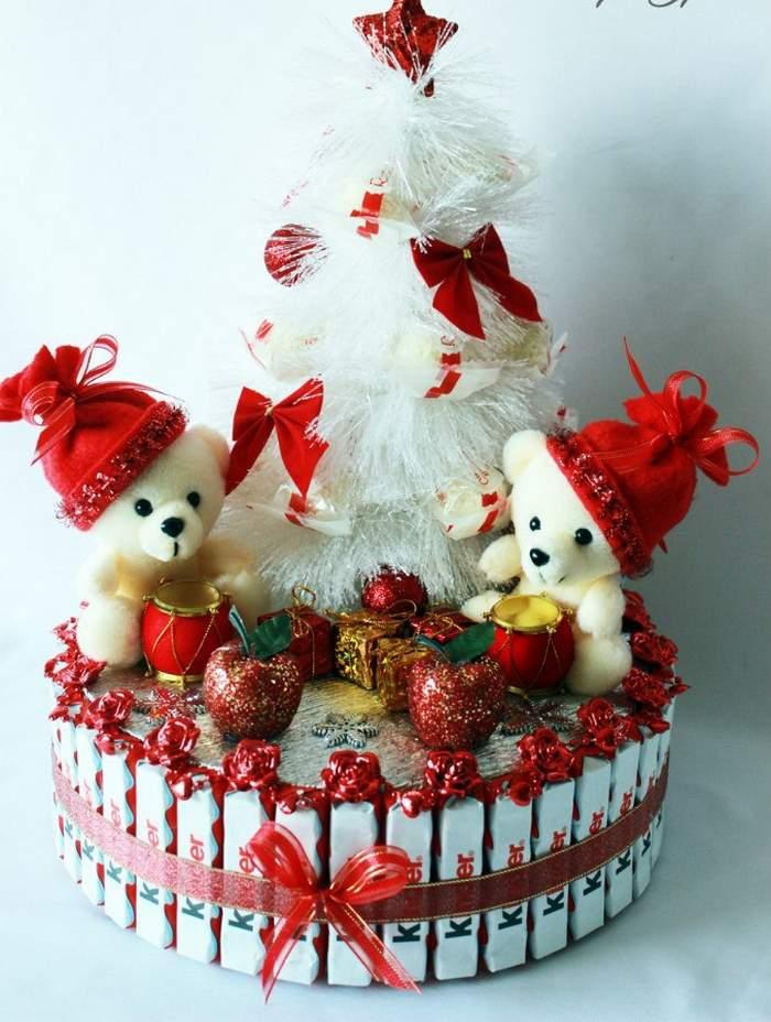 Торт из конфет на Новый год