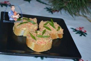 Красная икра из селедки и моркови