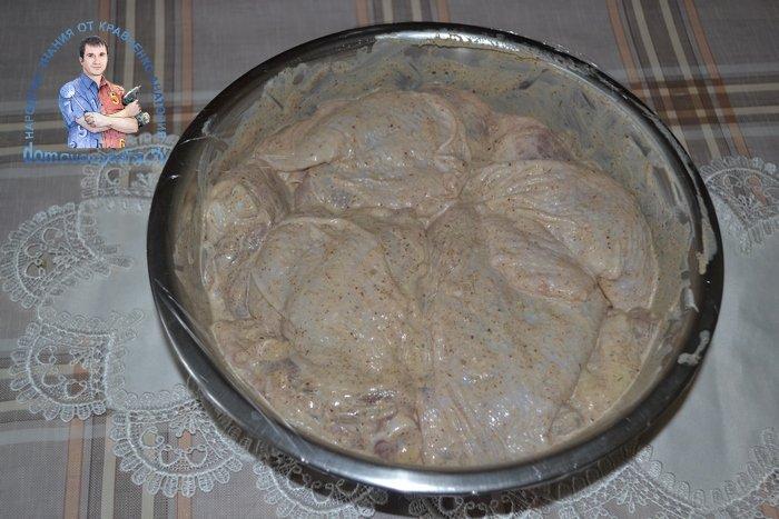 Куриные бедрышки в духовке с майонезом