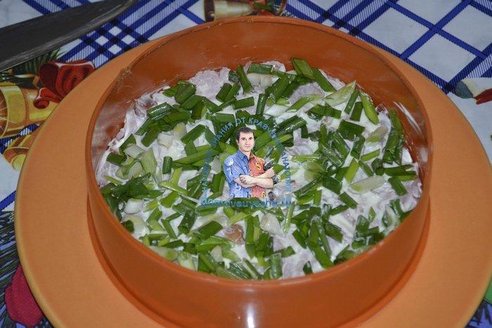 Салат с крабовыми палочками ветчиной