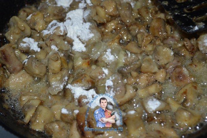 Жульен в вафельных тарталетках с грибами и курицей
