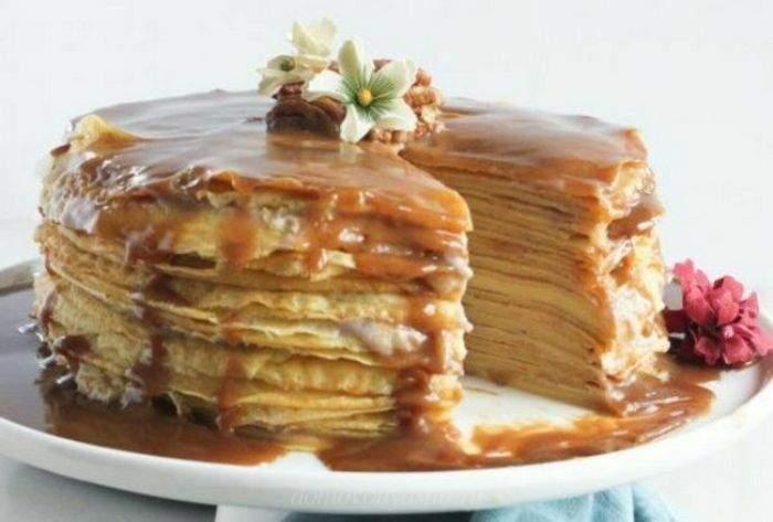 Блинный торт с вареной сгущенкой на Масленицу