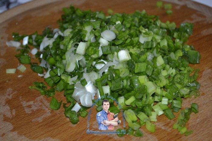 Салат из редиса с огурцом и яйцом