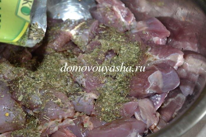Бедро индейки с картошкой в духовке рецепт