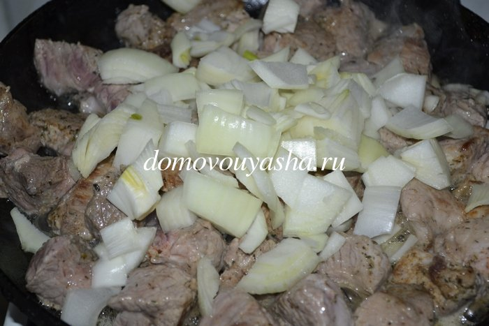 Гуляш из свинины на сковороде без томатной пасты рецепт