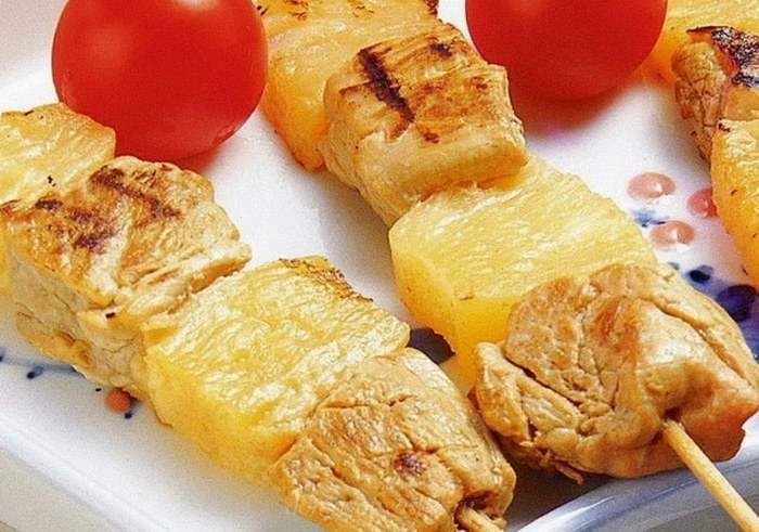 Шашлык с ананасом