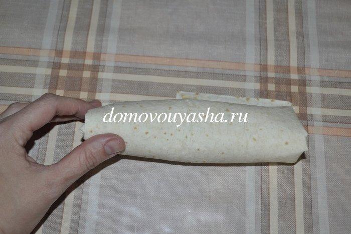 Хот-дог в лаваше со свежими огурцом и помидором - рецепт пошаговый с фото