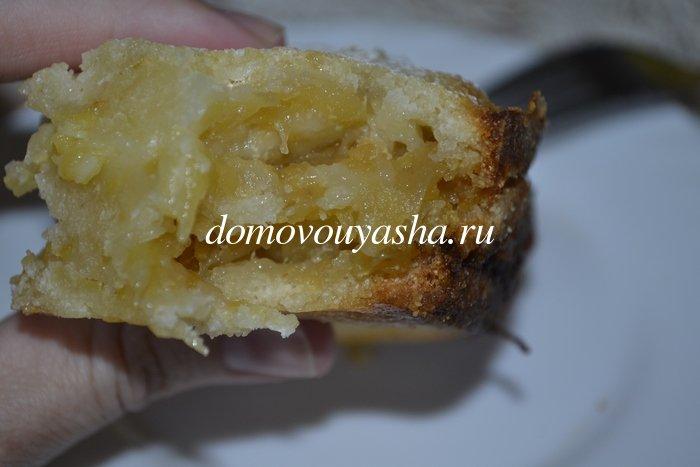 Насыпной яблочный пирог с молоком