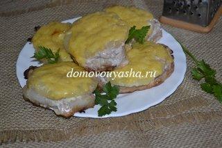 Отбивные из свинины с ананасами в духовке