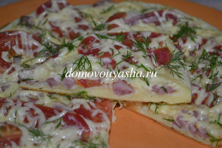 Пицца на сковороде на майонезе со сметаной за 10 минут