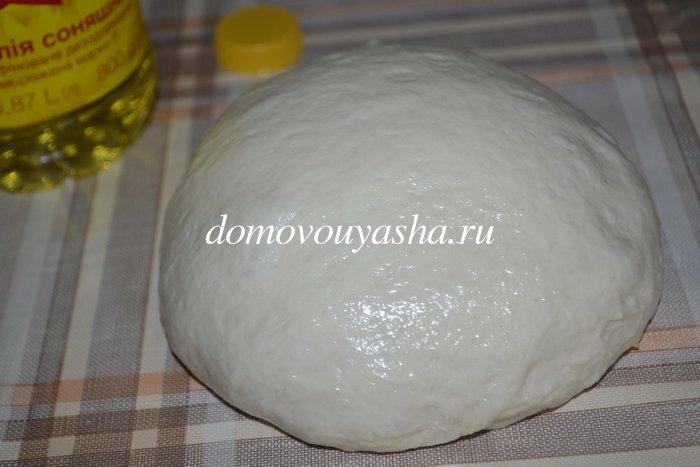 Пицца с колбасой и сыром в духовке