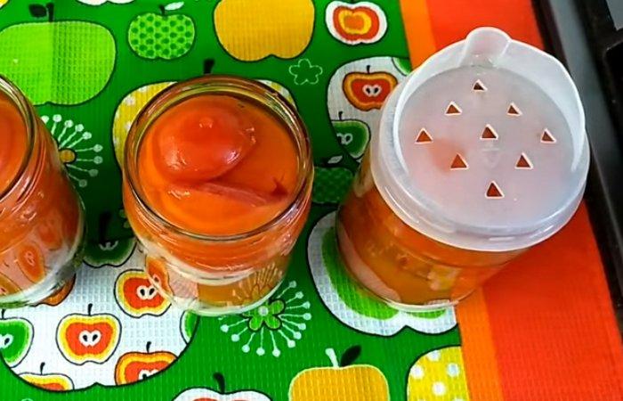 Салат из помидор с луком на зиму