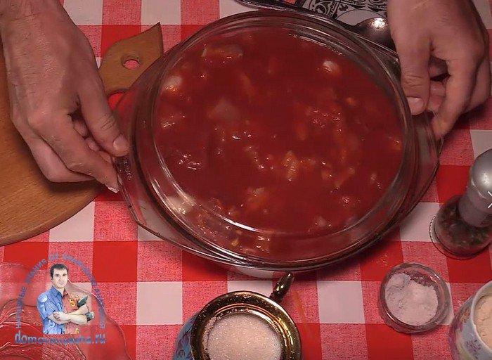 Свинина в томатном соусе в духовке