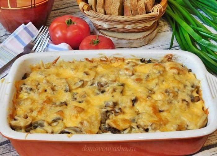 Картошка в духовке с курицей и грибами